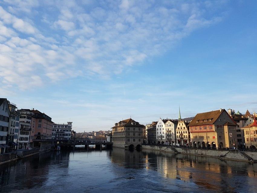 Río Limmat o Limago en Zúrich